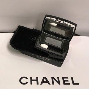 Chanel eyeshadow in shade 95 Furitf